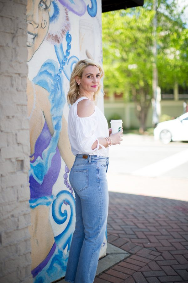Cool Mom outfit, how to wear high waisted denim, what to wear with a cold-shoulder blouse, chic mom style