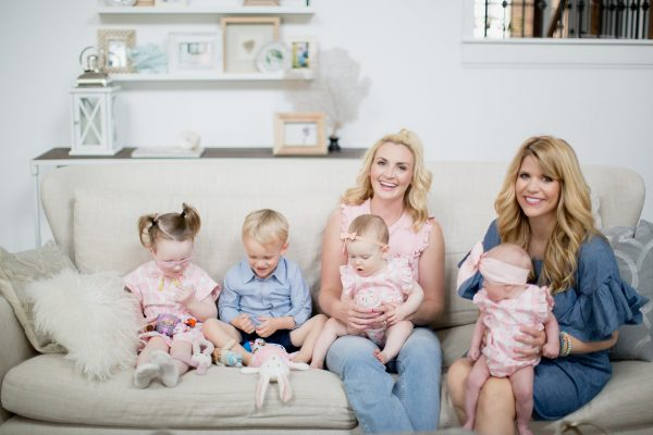 How to build your wardrobe to fit your lifestyle, the mom wardrobe, the mom outfit, chic mom style, mom outfit, cool mom outfit, mom style for playdate, Lindsey Regan Thorne makeup artist