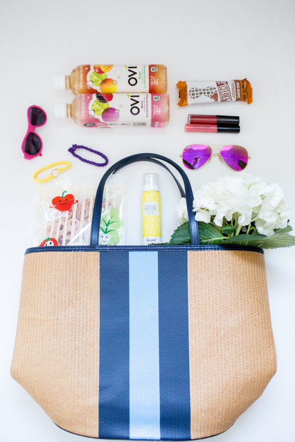 What to pack in your summer tote, effortless summer style, what to pack in your beach tote, Stripe Tote, Mom's Tote, What to pack in your summer tote as a mom